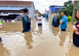 在抗洪救灾中诠释责任担当